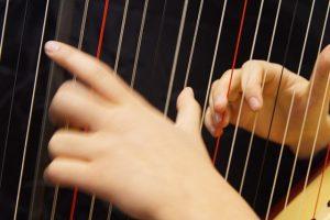 hands-1566605_640
